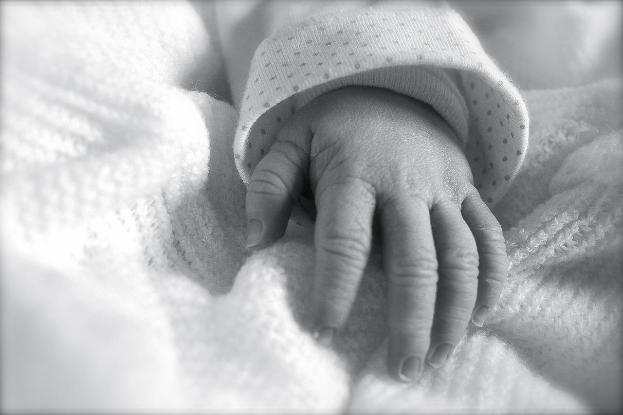 Kleines Baby nach der Geburt