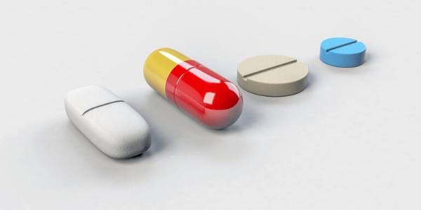 Tabletten die für eine Medikamentöse Behandlung benötigt werden