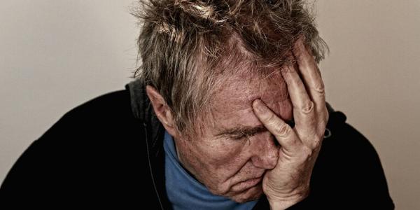 Mann gibt sich die Schuld an Depressionen