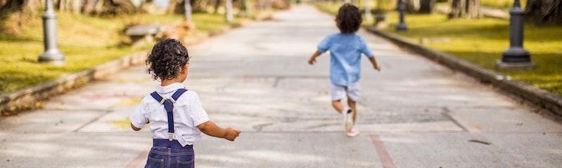 Sein Kind bilingual erziehen: Worauf achten, wenn die zukünftige Bildungssprache zu Hause nicht gesprochen wird?