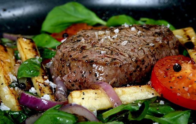 Ein Fleisch mit fett und Proteinen