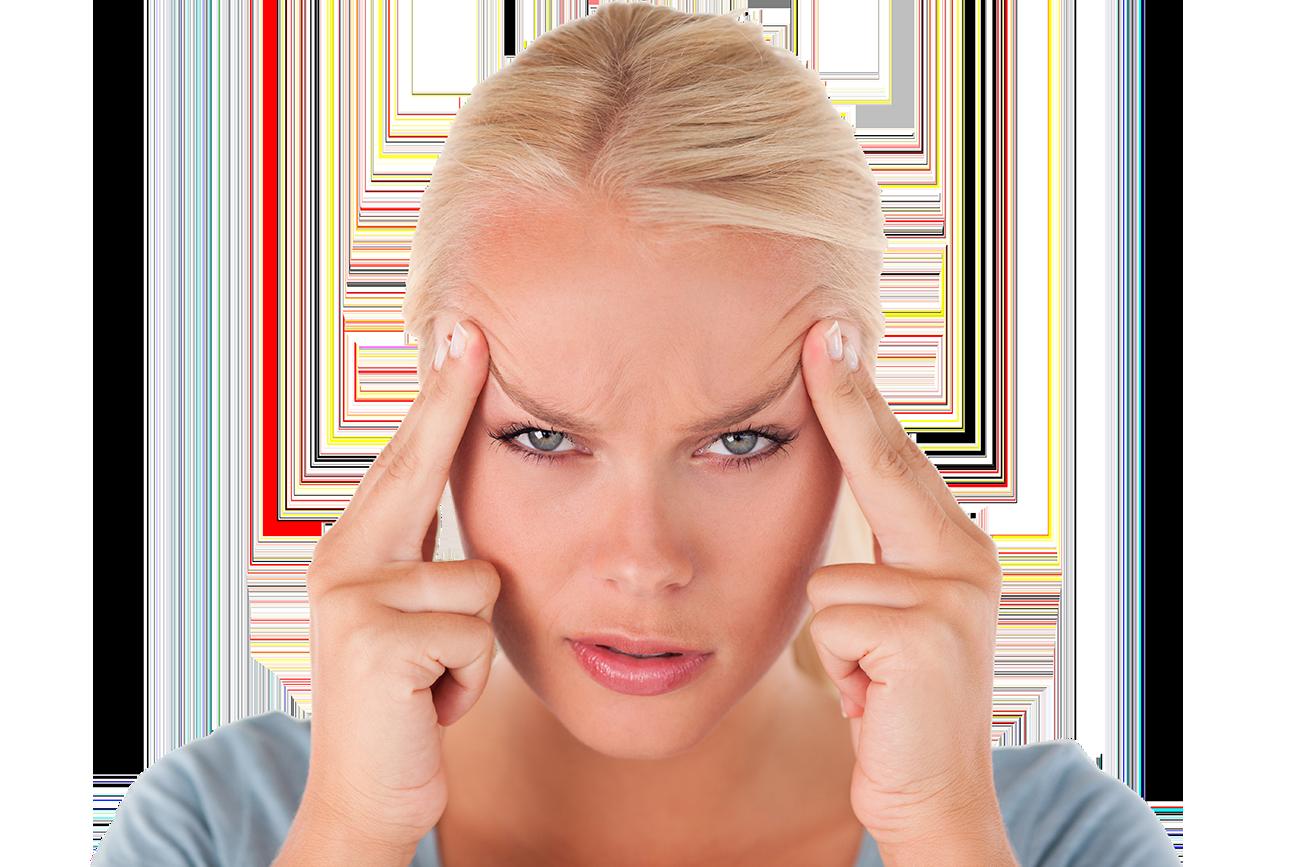 Frau mit stechenden Kopfschmerzen