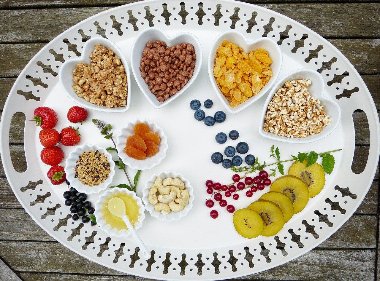 Obst, Nüsse, Schale, Herz