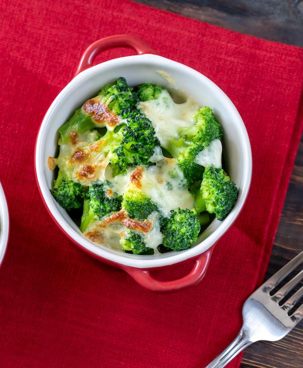 Brokkoli mit Käse als gesundes Muskelaufbau Rezept