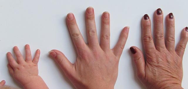 fingernagelpilz symptome