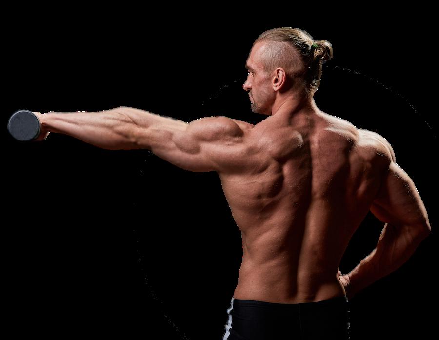 Starker Mann beim Muskelaufbau