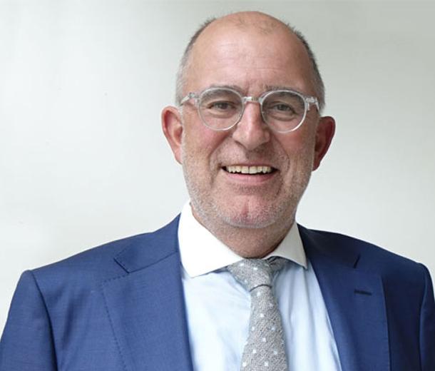 Dr. Hartmut Paul
