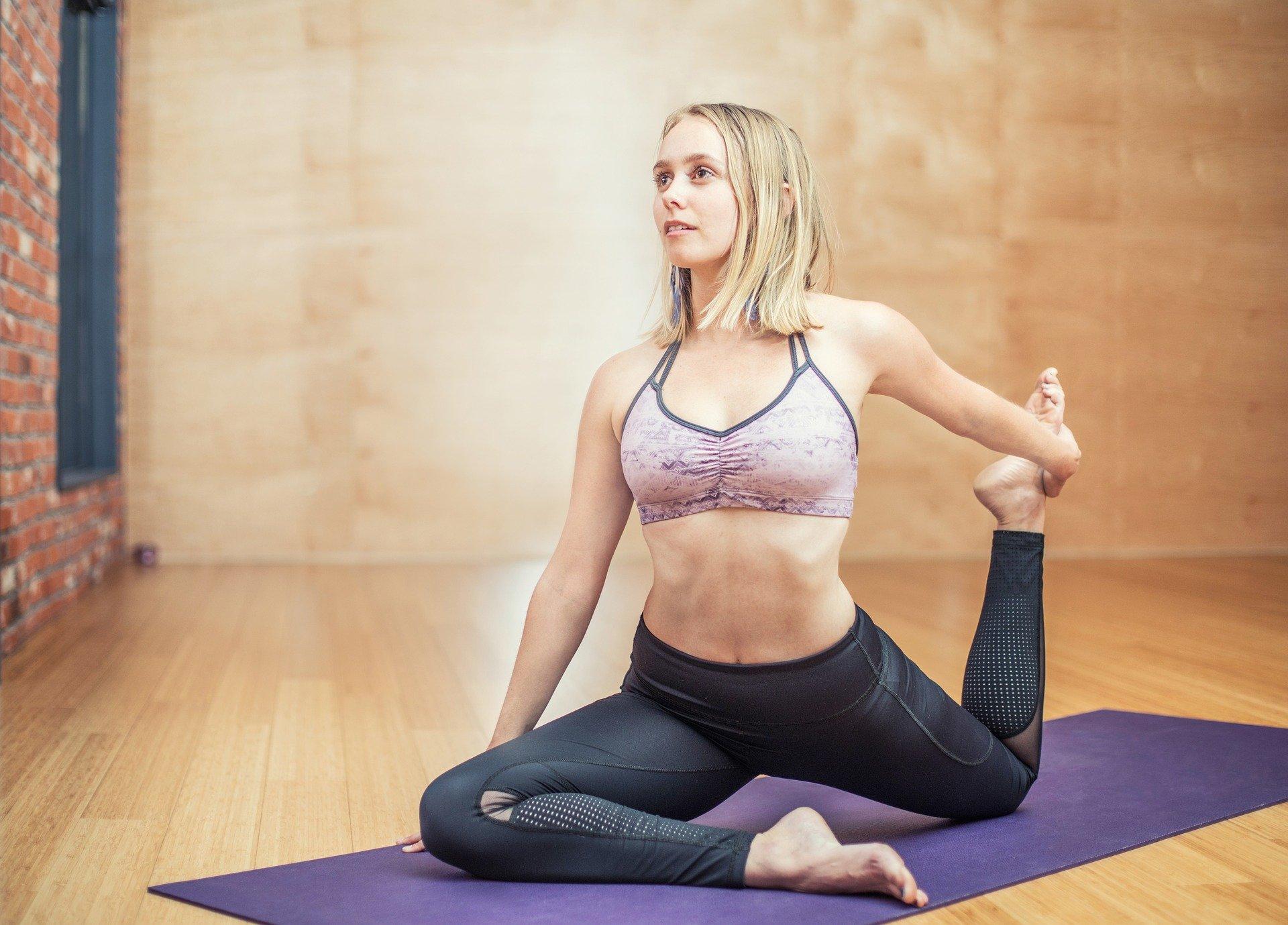 Warum Yoga gegen Migräne und Kopfschmerzen hilft