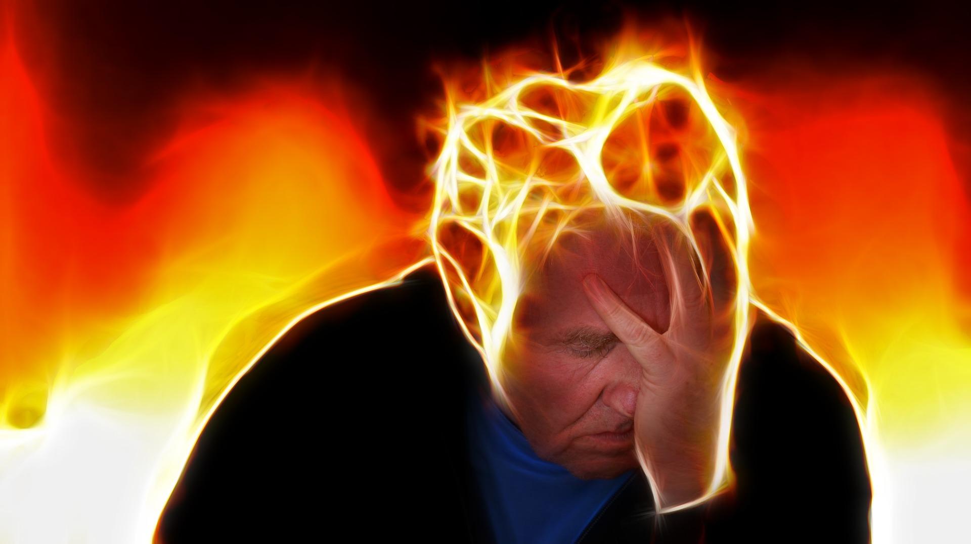 Hilfe gegen unerträgliche Kopfschmerzen an der Stirn