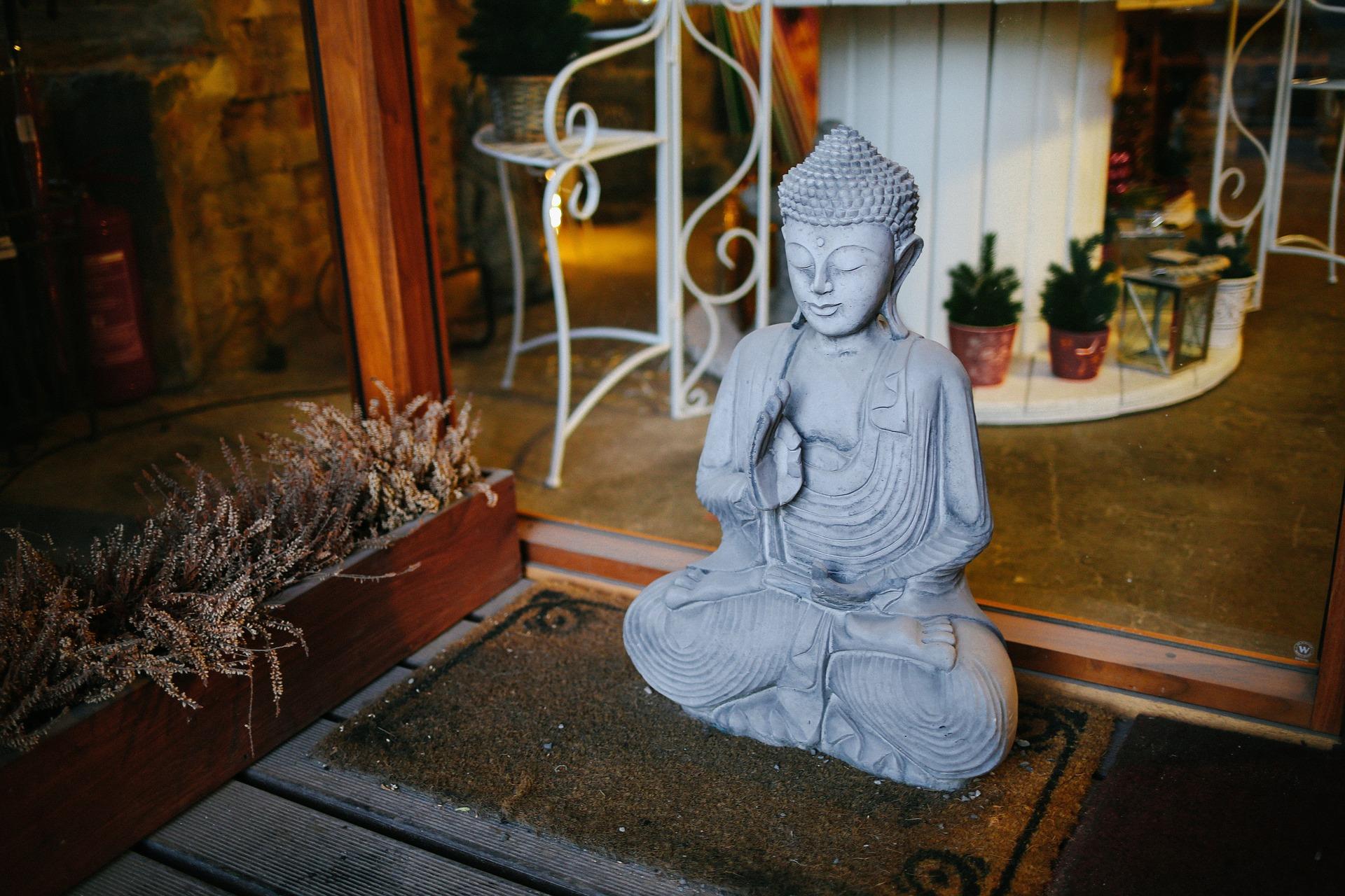 Meditation-Statur