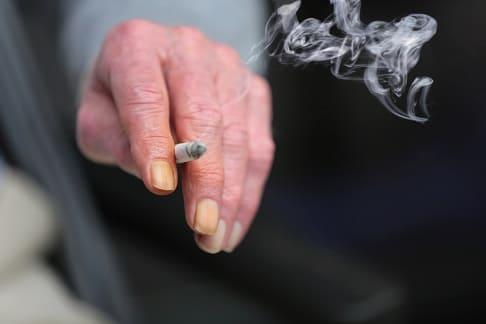 Nikotinfinger reinigen