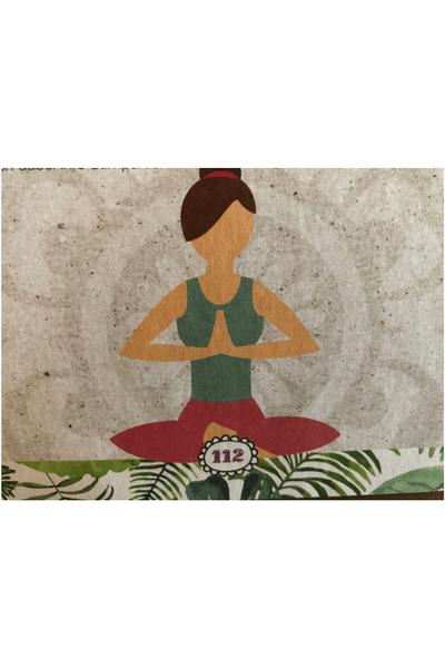 Sitzende Yoga Frau