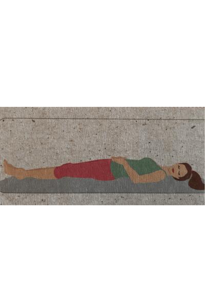 Liegende Yoga Frau