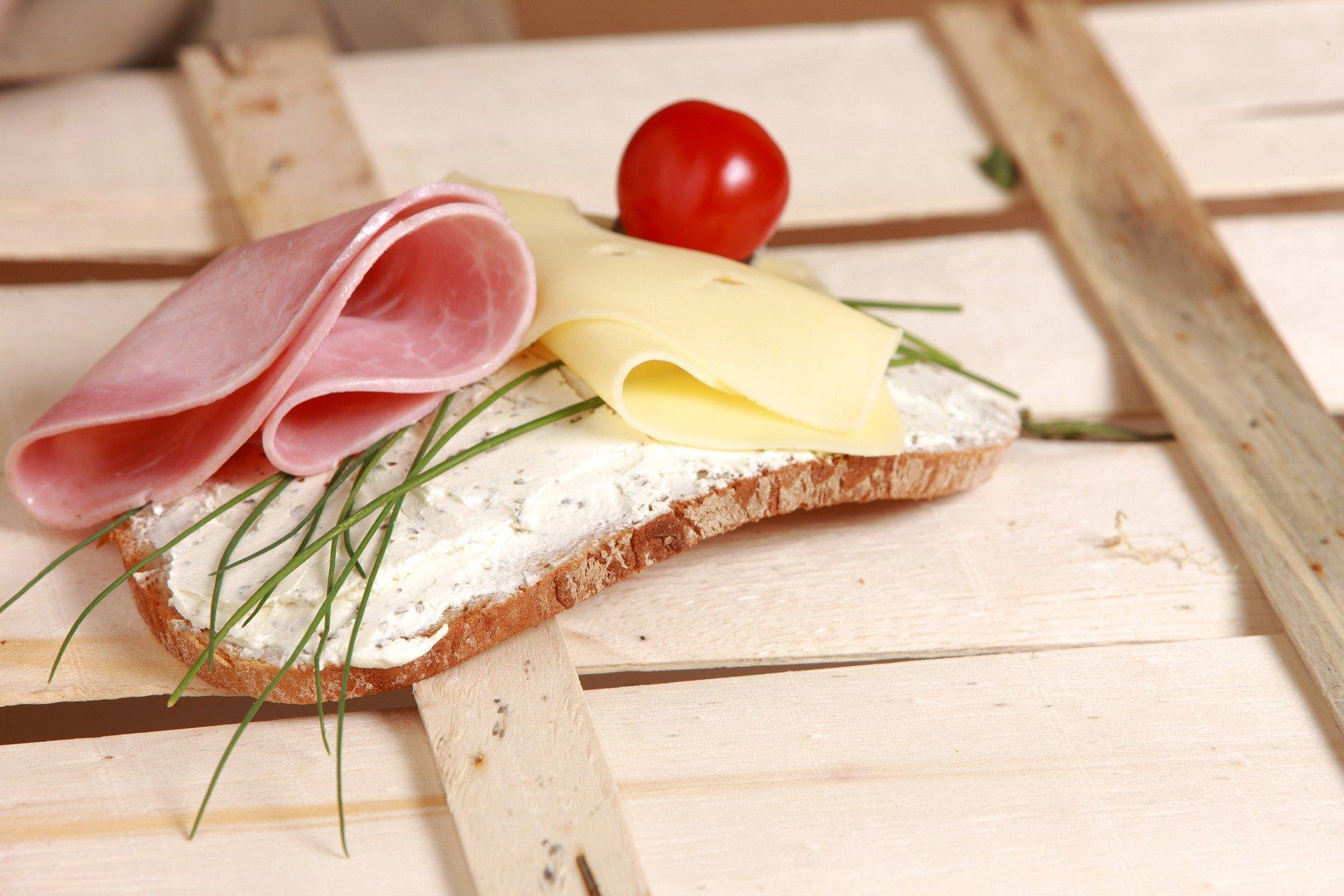 Ernährungstipp 3: Wurst- und Käsekonsum reduzieren