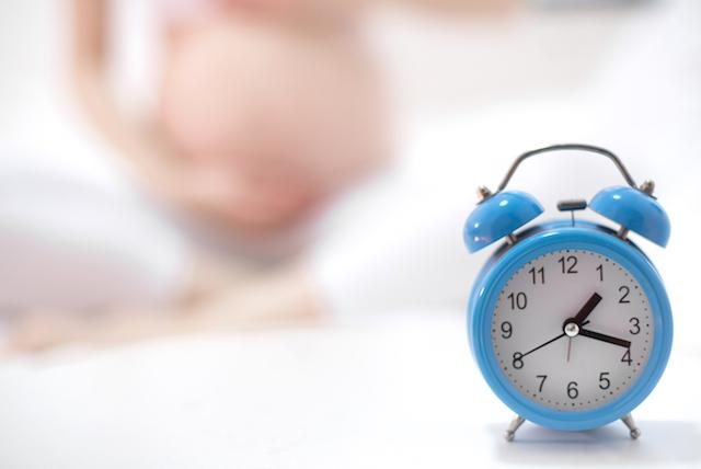 schnell schwanger werden Uhr, schwangere Frau