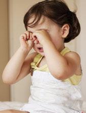 Wir erklären wann Babys und Kinder ins Bett gehen sollten