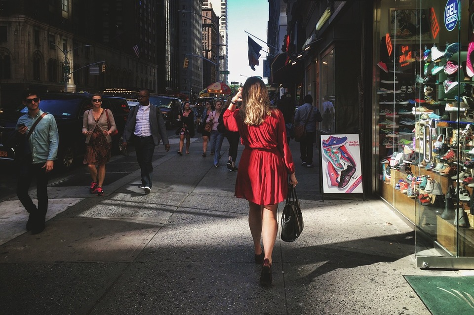 Frauen auf der Straße ansprechen - Erfolgreich Flirten!