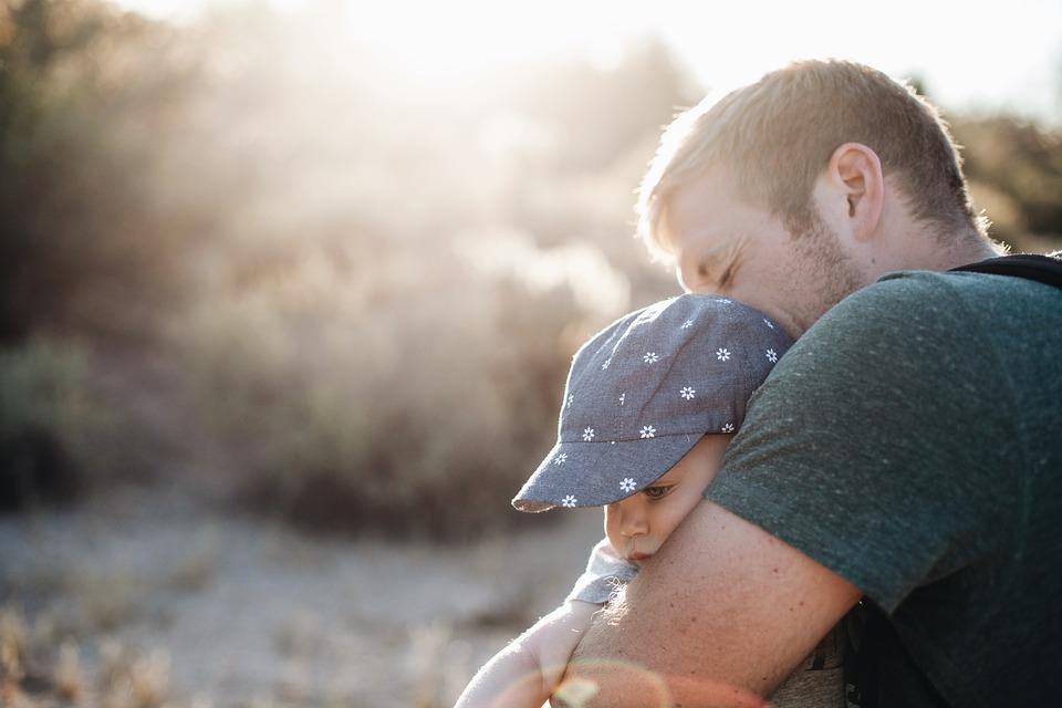 Trennung mit Kind - Wer hat das Sorgerecht? - Gesetze!