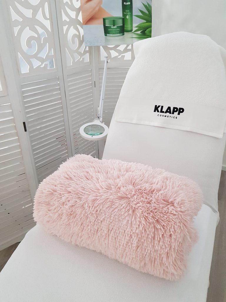Klapp Cosmetics Kosmetikstudio Einrichtung / Sitze