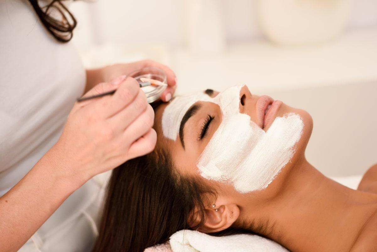 Hyaluron Behandlung - Kosmetische Gesichtsbehandlung