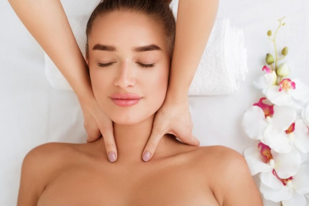 Hals Behandlung - Microneedling