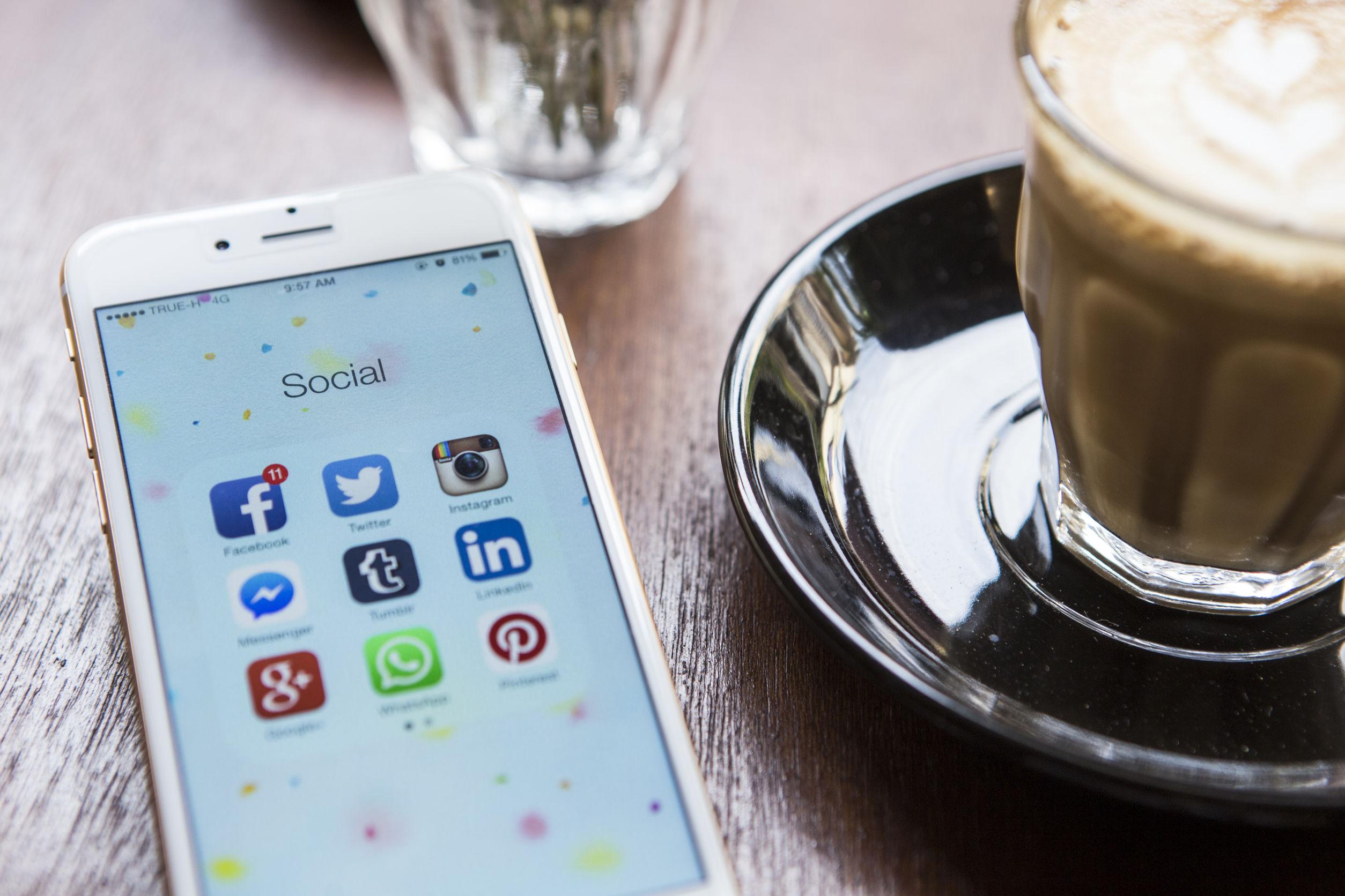 Sozial media Beziehung