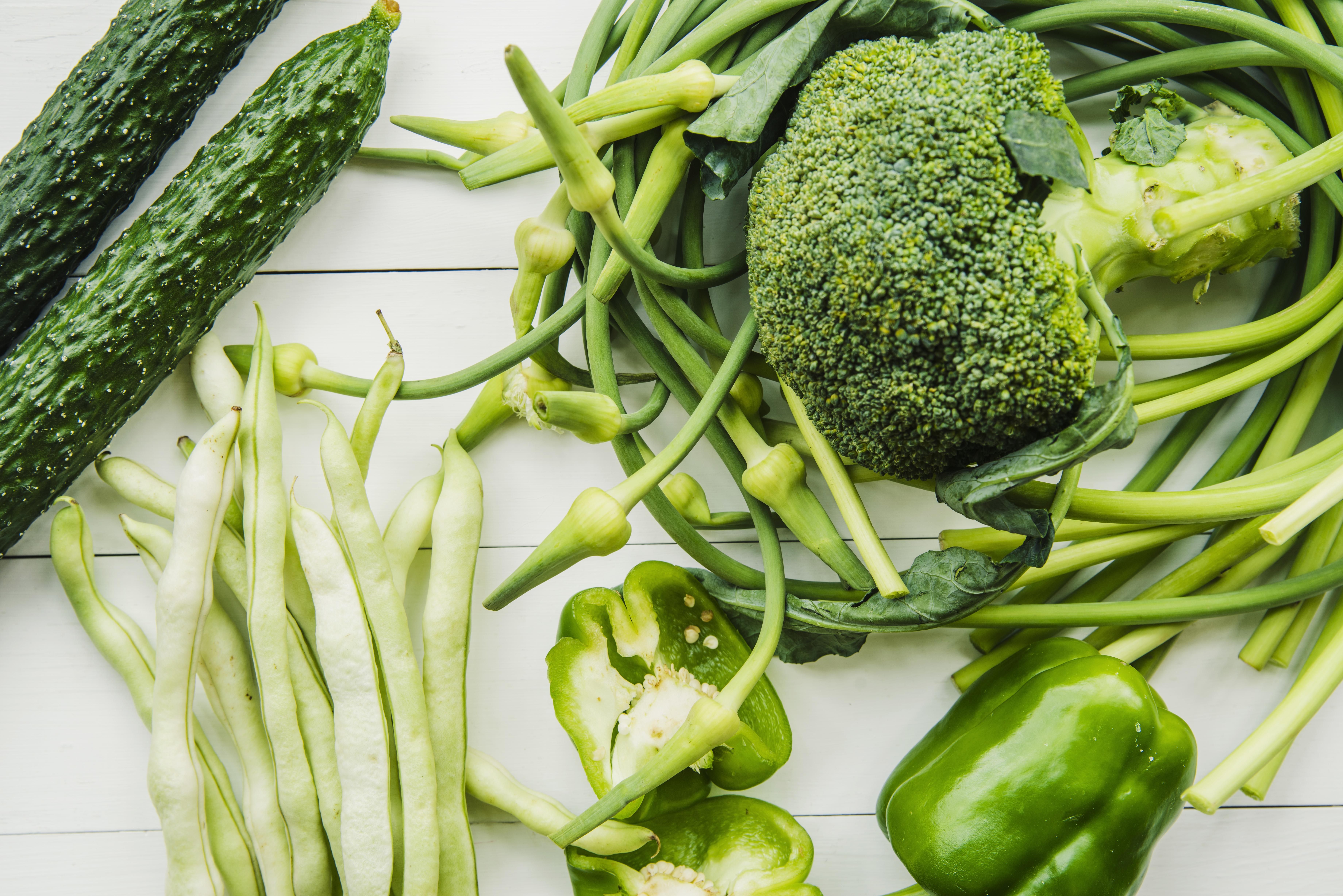 grünes Gemüse, Brokoli, Bohnen, Gurke