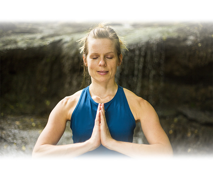Meditationshaltung mit Anjali Mudra