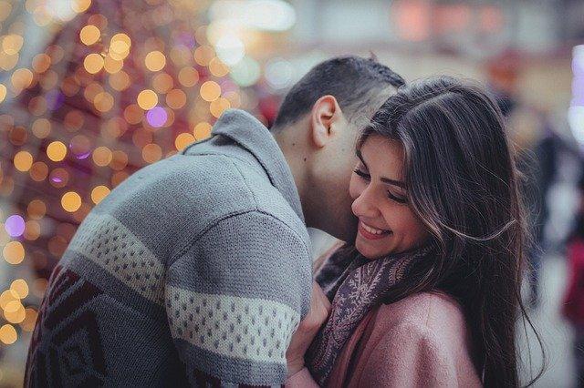Glückliches Paar emotionale Abhängigkeit