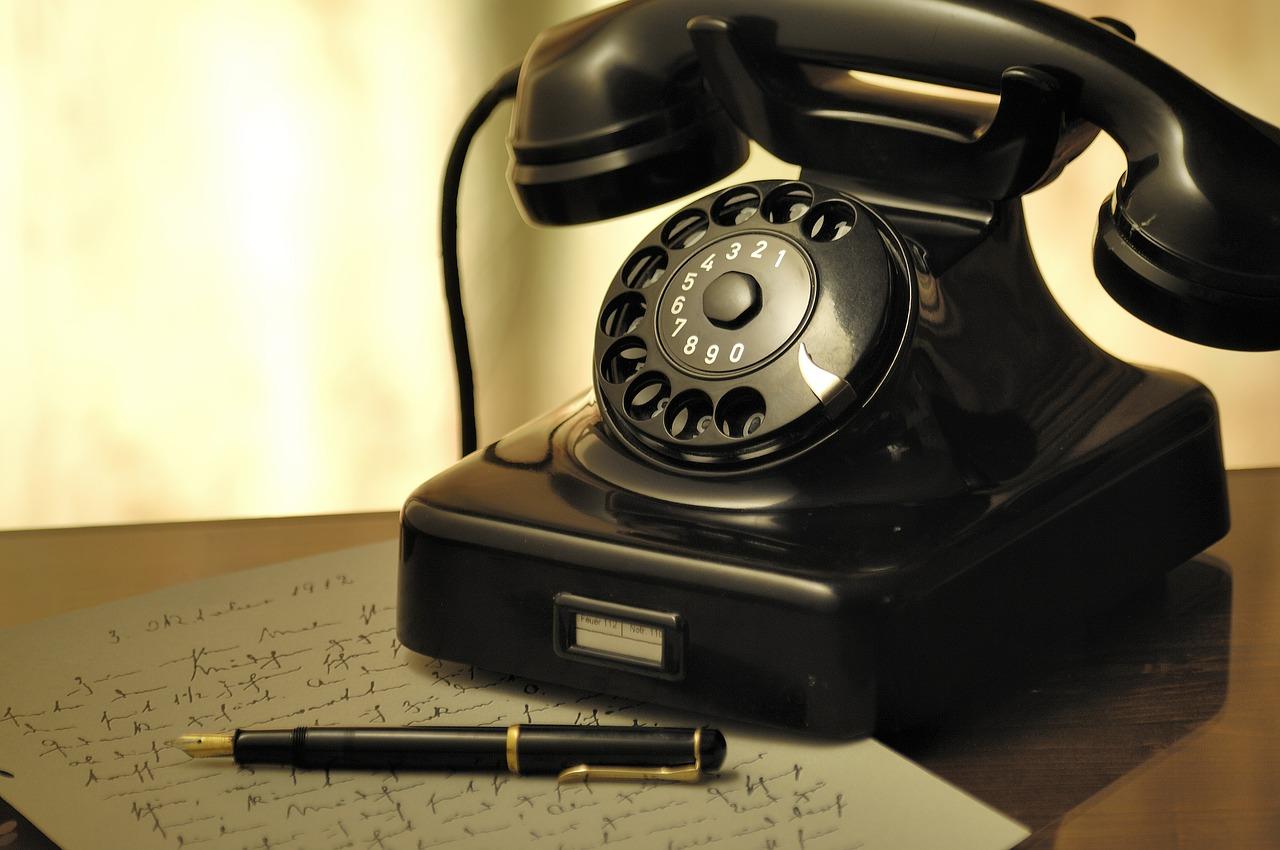 Kommunikation per Telefon! So pflegst du deine sozialen Kontakte.