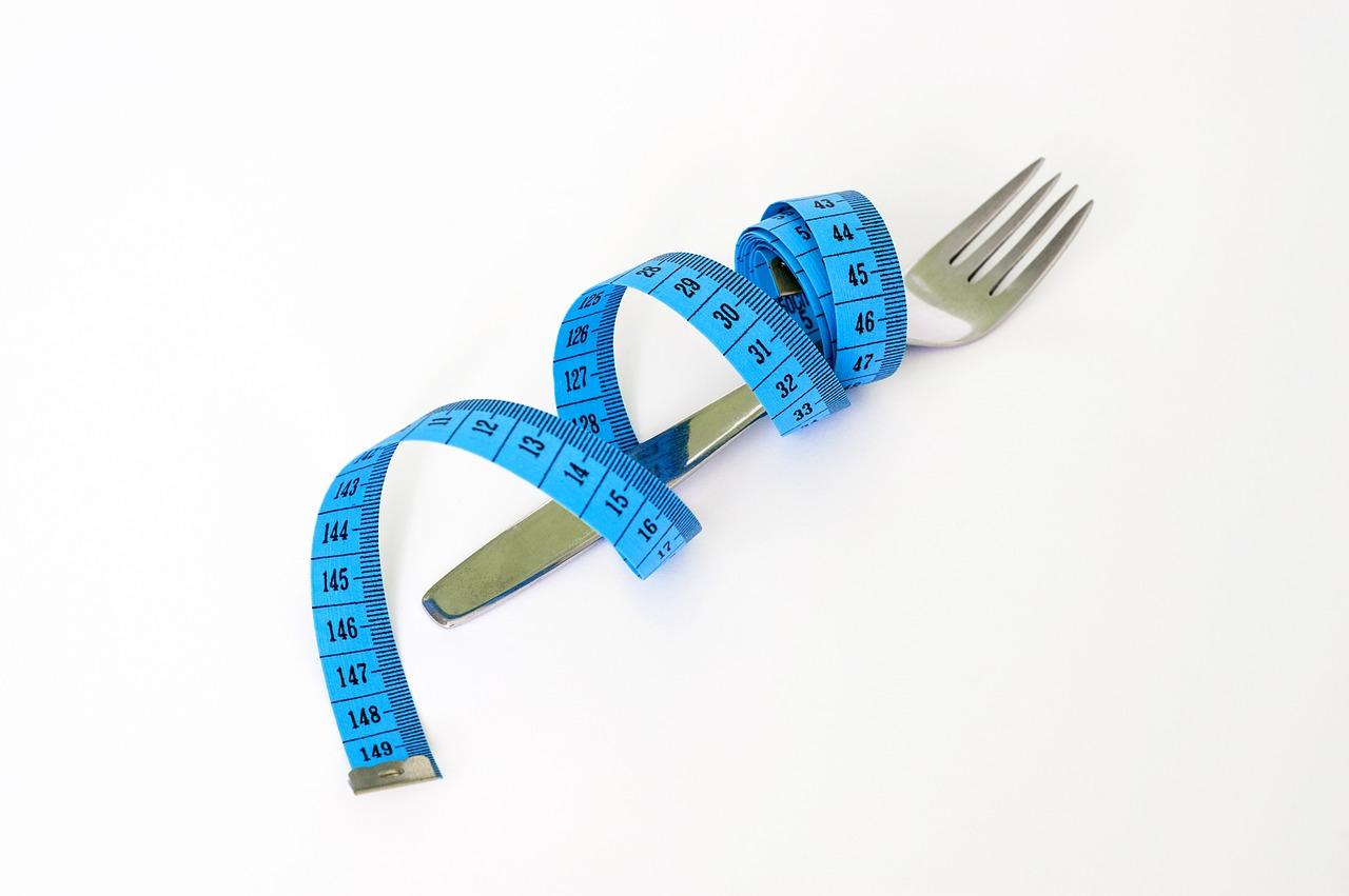 Stoffwechsel ankurbeln Gabel und Maßband