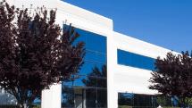 Bürogebäude mit Alarmanlage