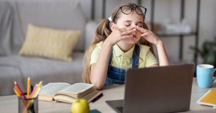 Trockene Augen durch Computerarbeit