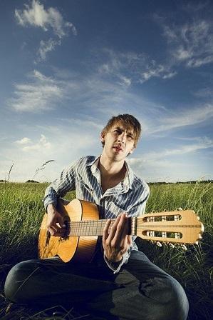 Die beste Zeit zum Gitarre spielen Lernen