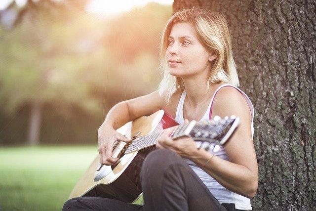 Liedbegleitung - der leichteste Einstieg in die Welt der Gitarre
