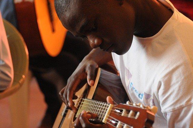 Mit welcher Gitarre anfangen zu lernen?
