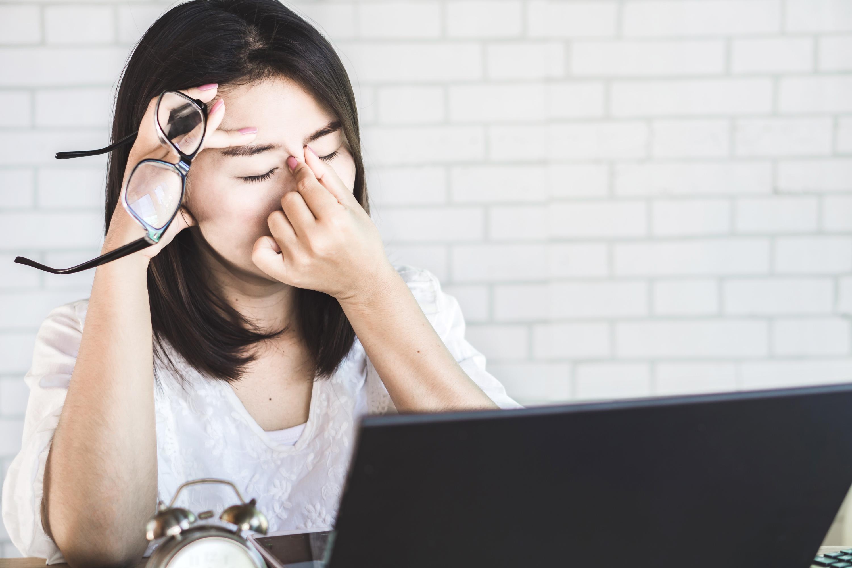 Frau mit übermäßigem Stress