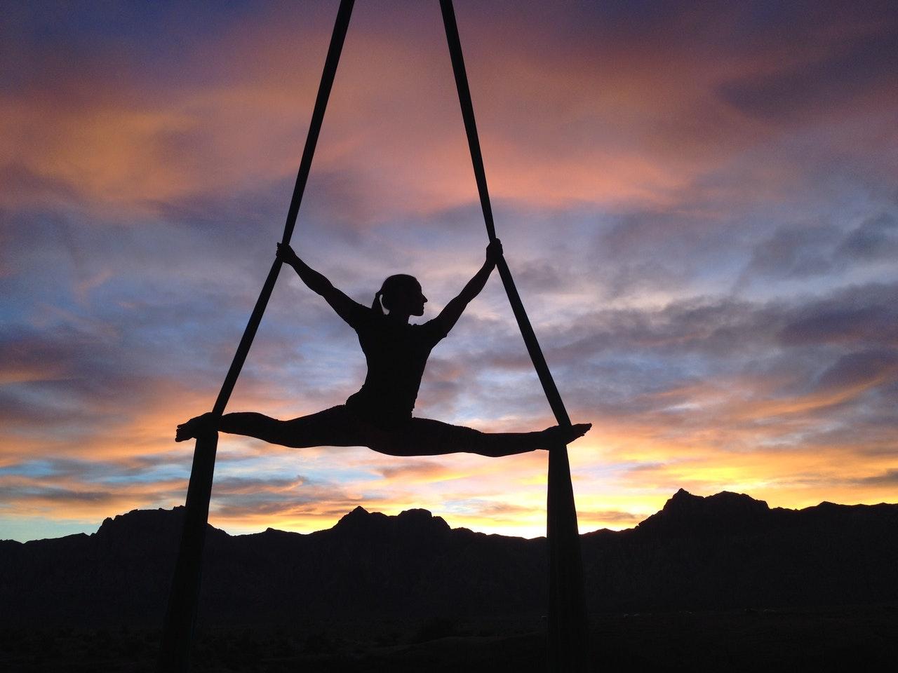 Aerial Yoga im Freien
