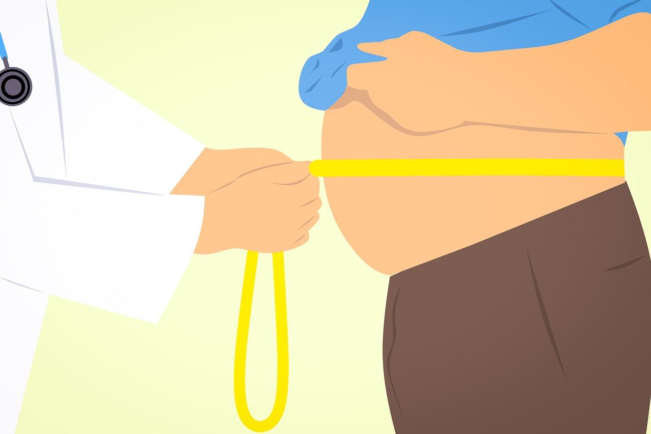 Bauchmessung durch Arzt