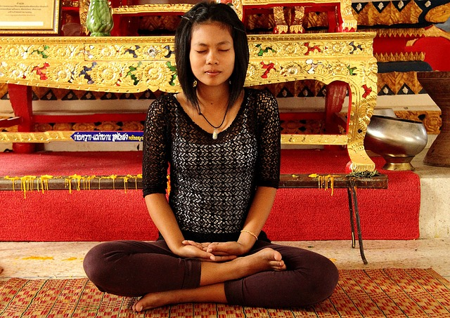 Frau am meditieren