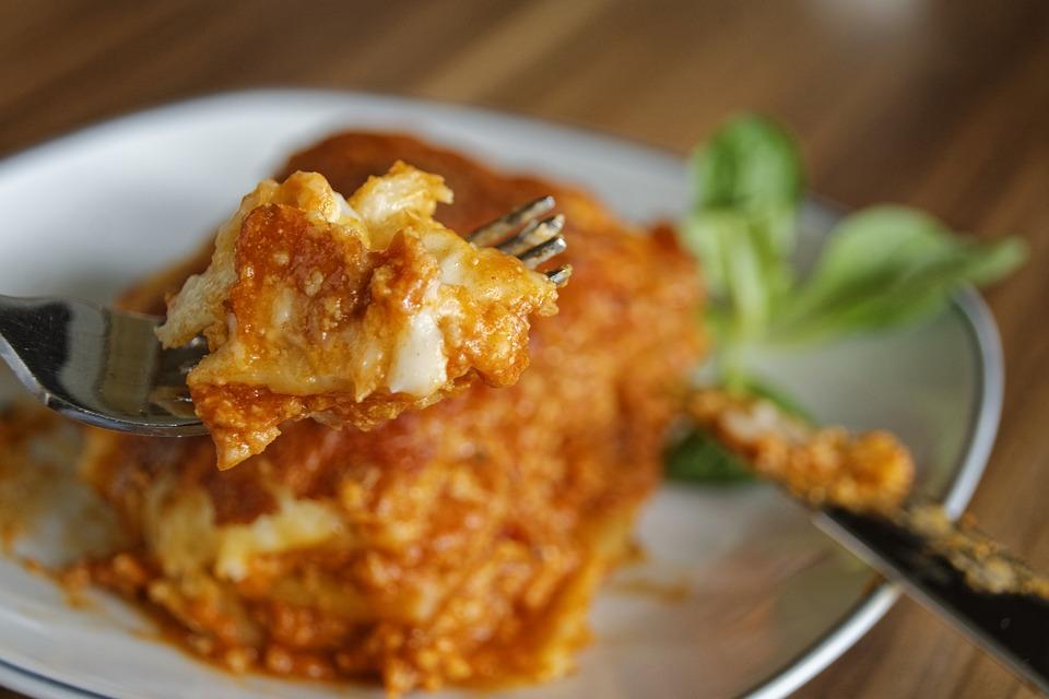 Lasagne als energiereiche Mahlzeit zum Zunehmen