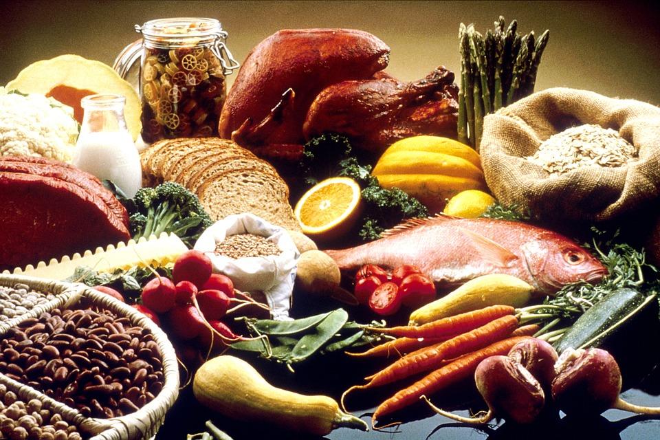 Verschiedene Lebensmittel zum zunehmen