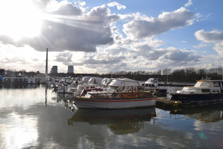 Marina Rünthe – Erlebe den Yachthafen von seiner schönsten Seite