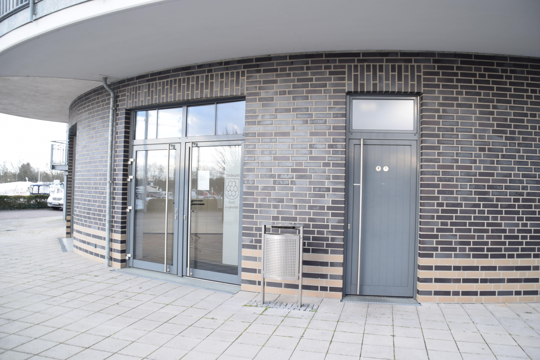 Trauzimmer Marina Rünthe Eingang und Außenbereich