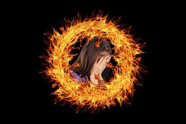 Brennende Frau