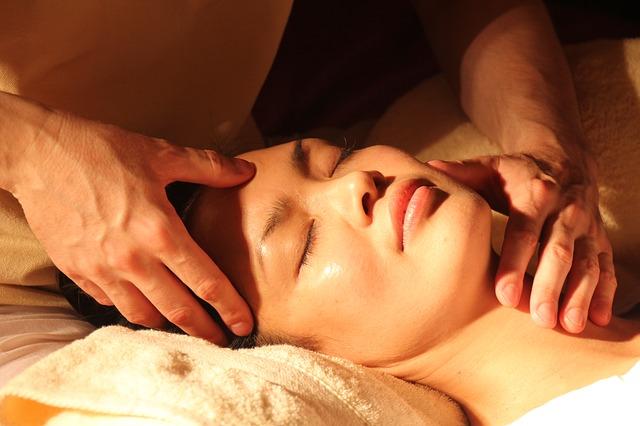Entspannungsmassage bei einer Frau