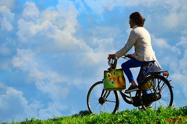 Frau auf dem Rad