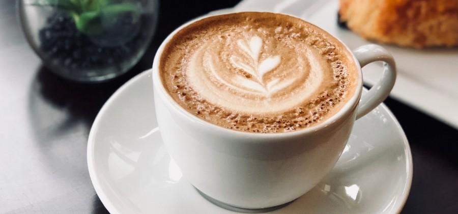 7 Gründe warum Kaffee deine Hormone beeinflusst.⠀⠀