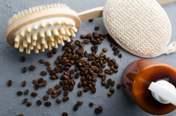 Bürste mit Kaffeebohnen